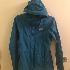 Women's The North Face Rain Jacket with hood!